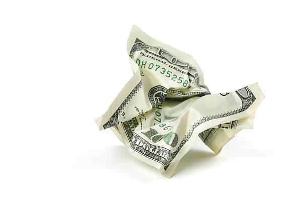 구겨진 돈을 클리핑 경로를 - 구겨진 뉴스 사진 이미지
