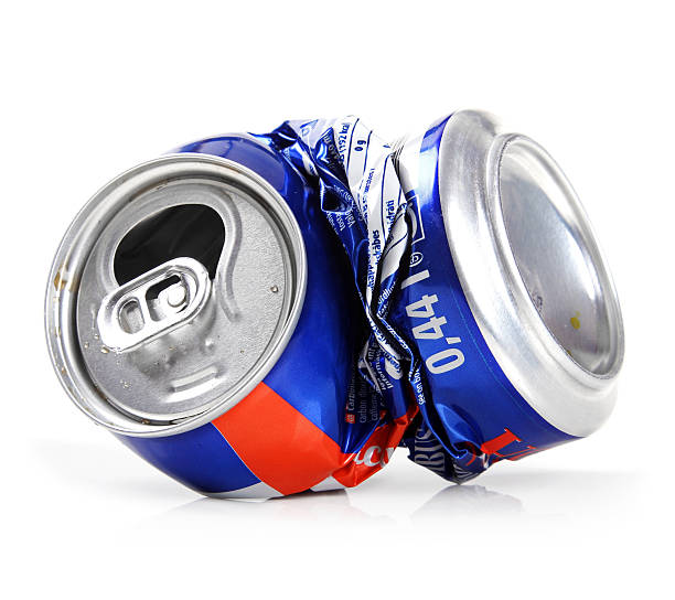 Triturar bebida puede aislado sobre blanco - foto de stock