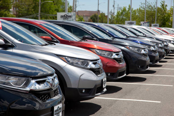 crvs at portland street honda - used car selling stock pictures, royalty-free photos & images