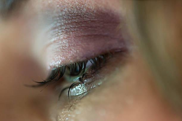 chorando - imagens de lagrimas - fotografias e filmes do acervo