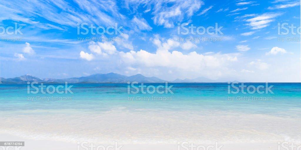 Eaux cristallines de la mer tropical island  photo libre de droits