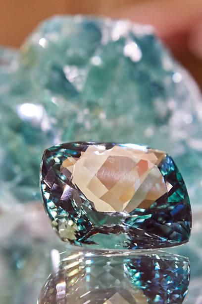 crystal - europäisch geschliffene diamanten stock-fotos und bilder
