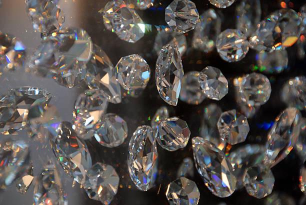 kristallen - promi schmuck stock-fotos und bilder