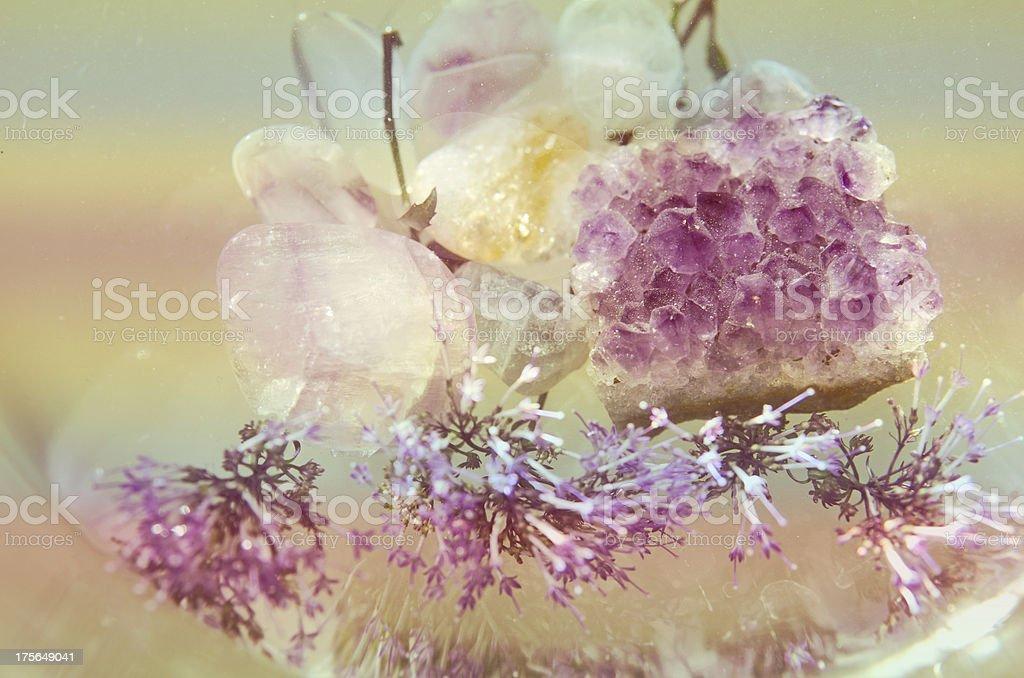 cuarzo y flores royalty-free stock photo