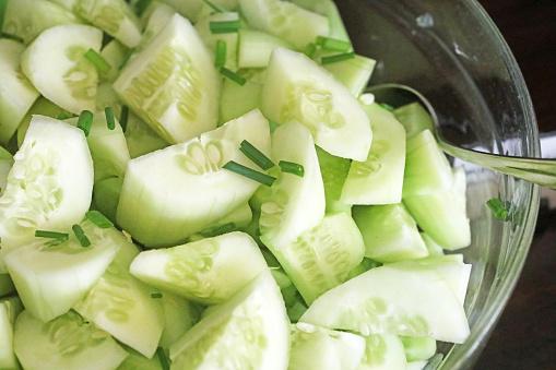 Photo libre de droit de Salade De Concombre banque d'images et plus d'images libres de droit de Aliment