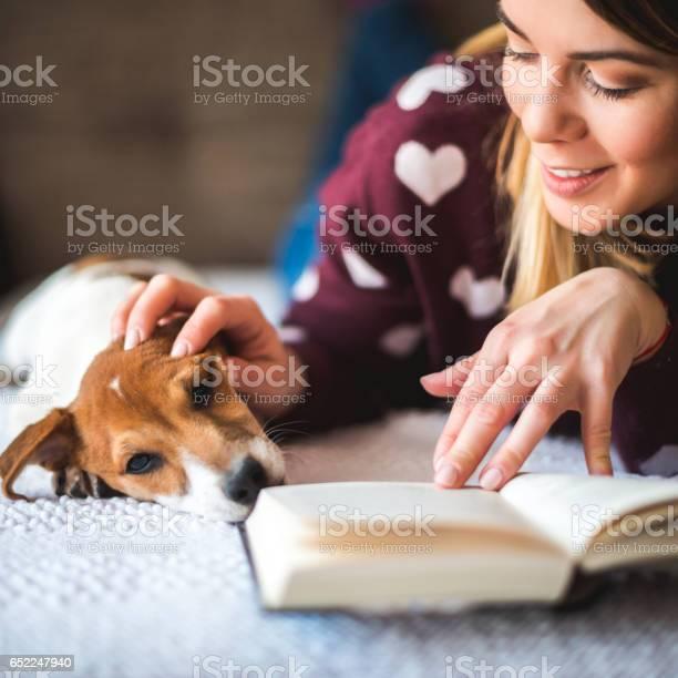 Cuddling while reading picture id652247940?b=1&k=6&m=652247940&s=612x612&h=3se3zy9yfbsc66boyvvawvjbluogrkn9jdg 48jqeh0=