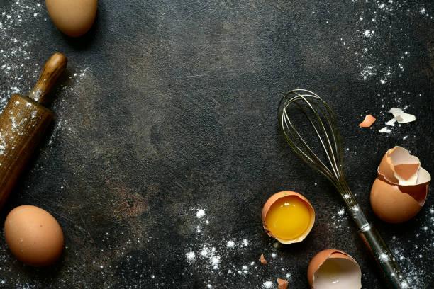 fondo culinario con ingredientes para hornear - hornear fotografías e imágenes de stock