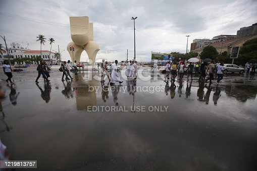 salvador, bahia / brazil - december 8, 2014: Roda de Capoeira is seen in the Comercio neighborhood in Salvador .