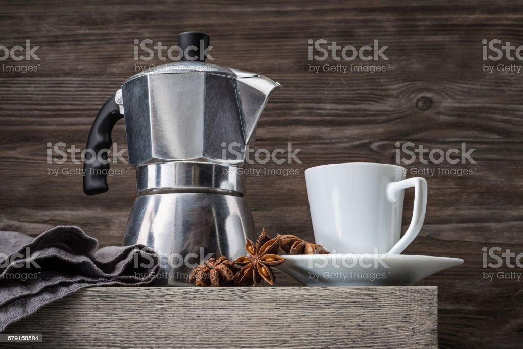 A cup for coffee and a coffee pot. photo libre de droits