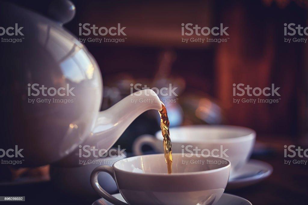 ビスケット添え紅茶のカップ ストックフォト