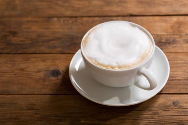 tasse cappuccino kaffee - cappuccino stock-fotos und bilder