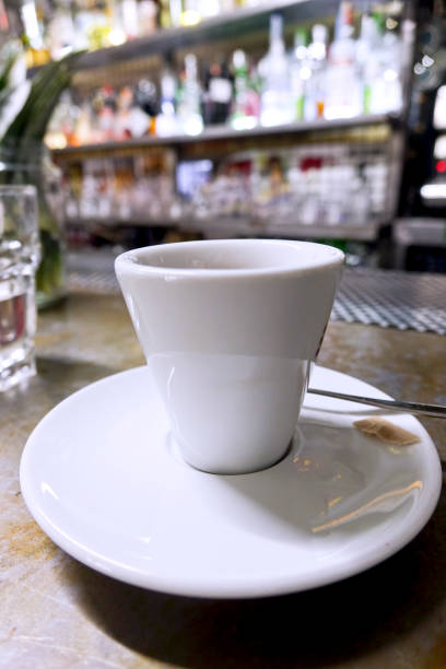 Cup of coffee at the bar - foto stock