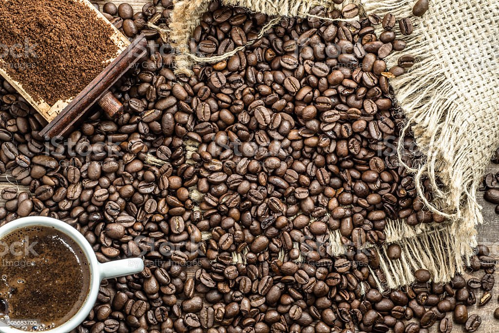 Admirable Cup Of Coffee Coffee Powder And Coffee Beans On Table Stock Photo Download Image Now Inzonedesignstudio Interior Chair Design Inzonedesignstudiocom