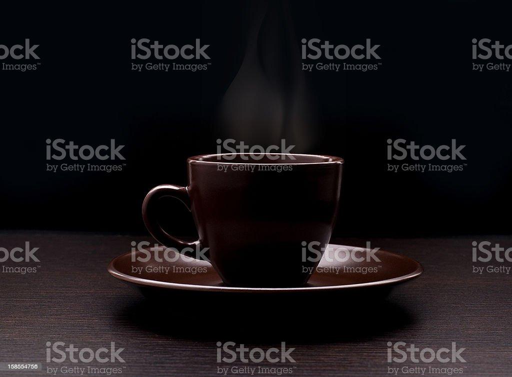 잔의 커피 검정색 바탕 royalty-free 스톡 사진