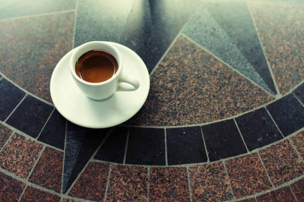 tass'espresso - mokkatassen stock-fotos und bilder