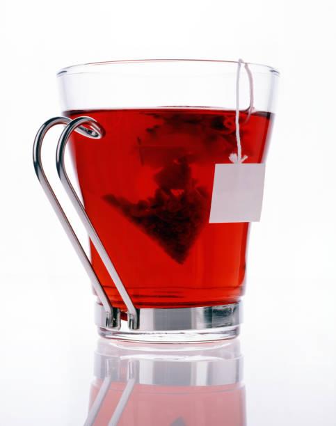 tasse tee und obst - roter holunder stock-fotos und bilder