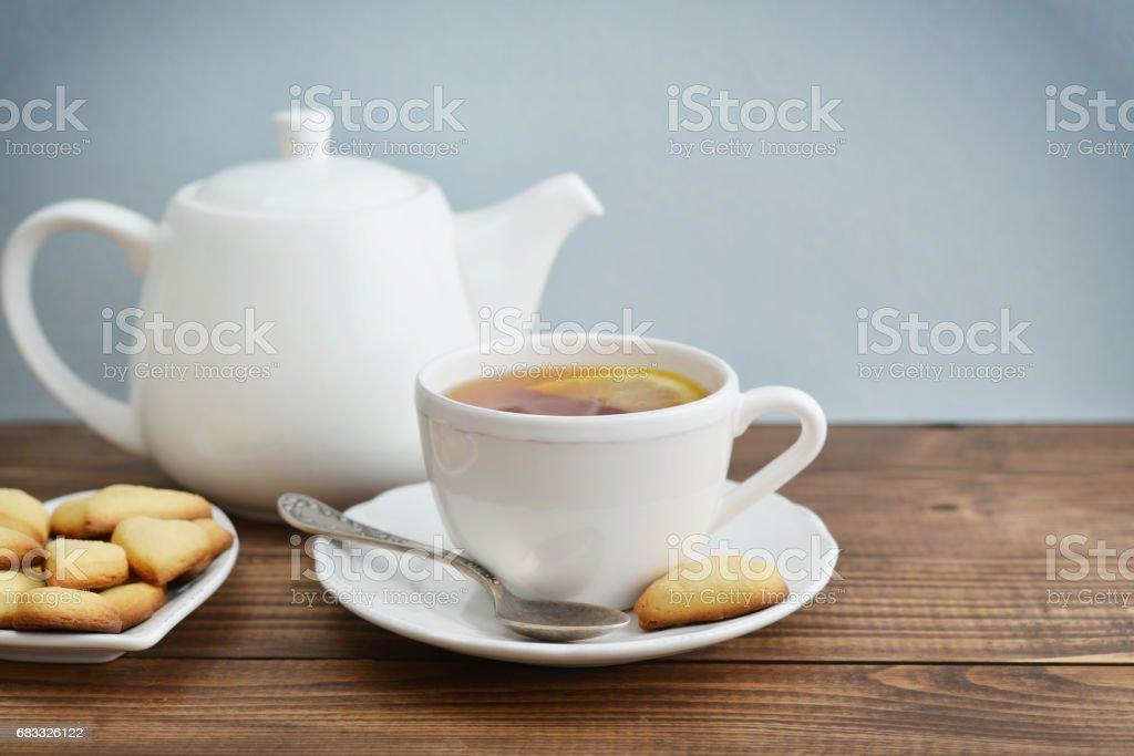 Cup of tea and cookies zbiór zdjęć royalty-free