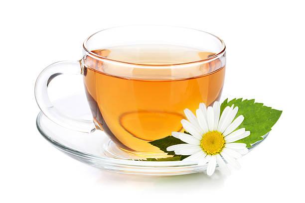 filiżanka herbaty z liści mięty, kwiat rumianku - herbata ziołowa zdjęcia i obrazy z banku zdjęć