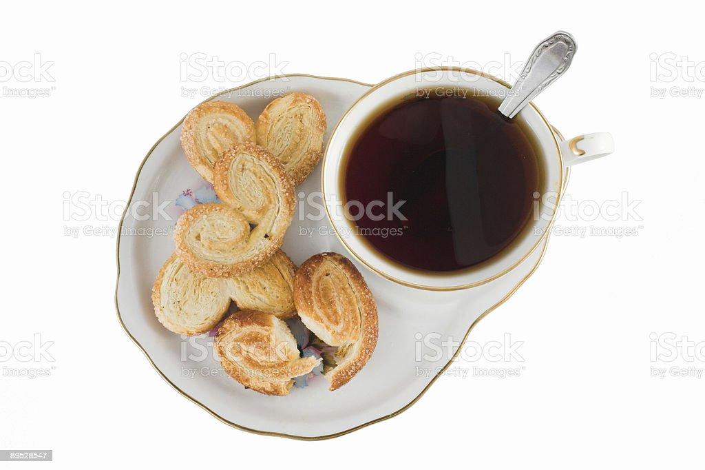 Taza de té con galleta de manteca foto de stock libre de derechos