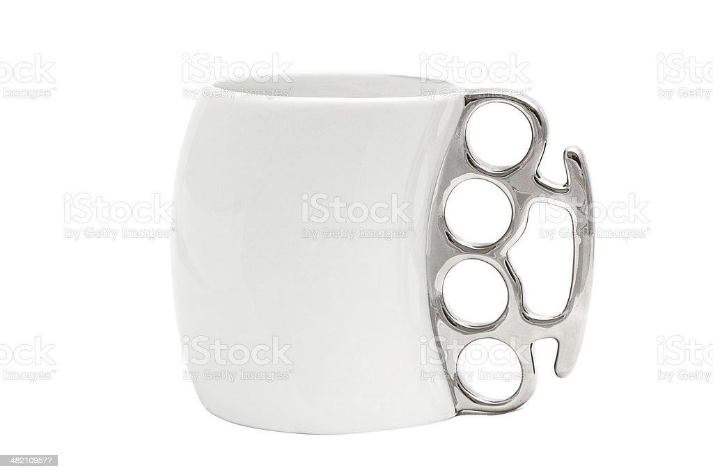 Kaffeetasse mit einem Griff in form von Messing knuckles – Foto