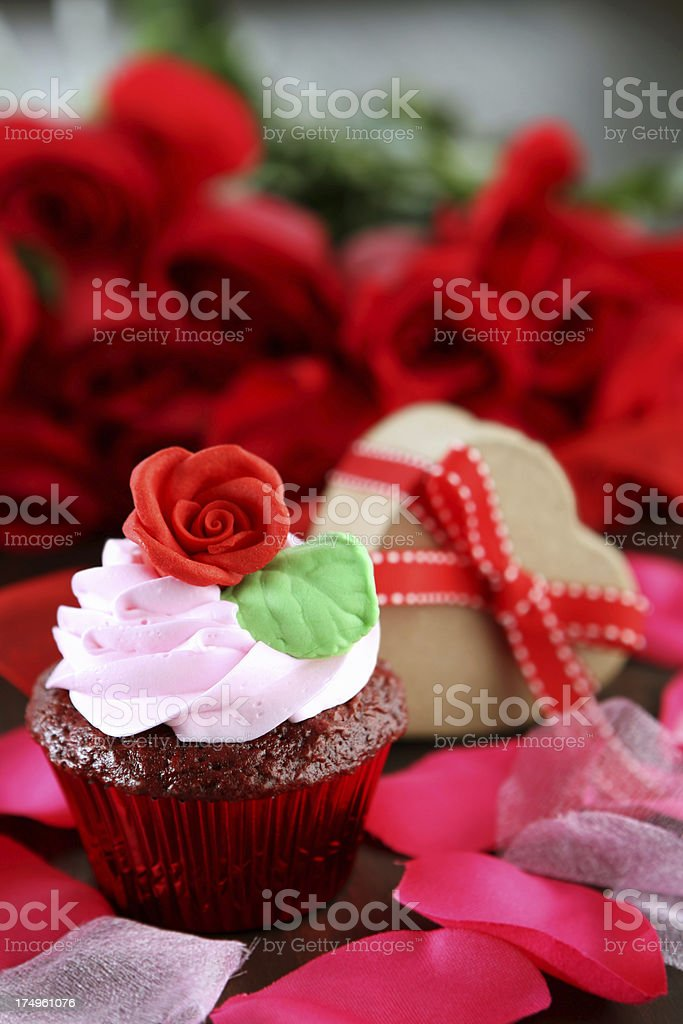 cupcake and gift royalty-free stock photo