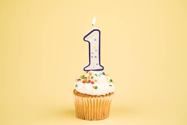 """cupcake-nummer """"(1 - nummer 1 kuchen stock-fotos und bilder"""