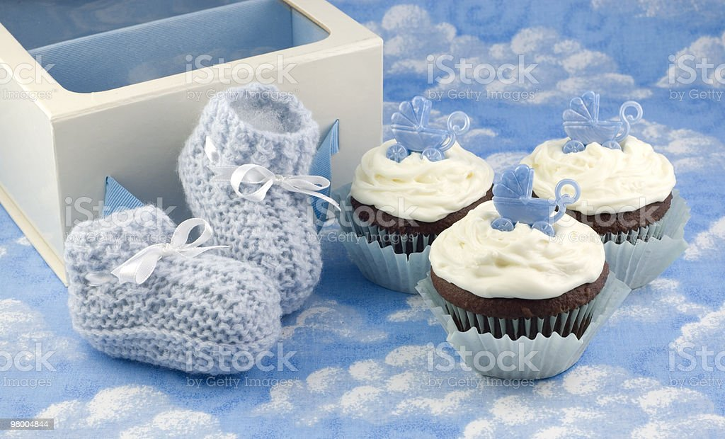 Cupcakes and Baby Booties for Boy royalty free stockfoto