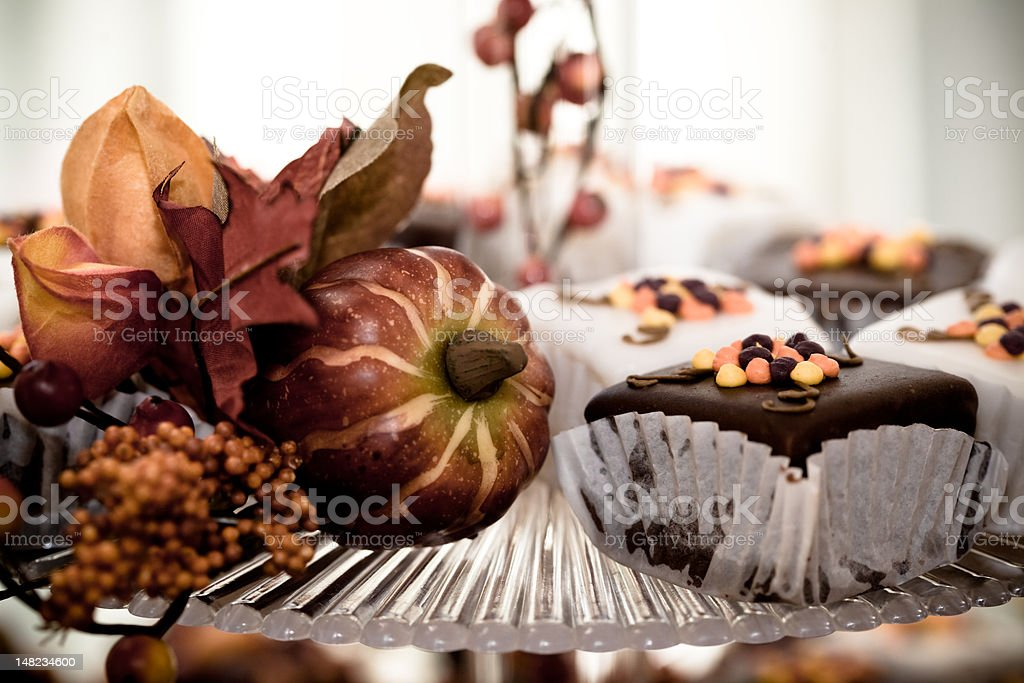 cupcakes and fall decorations - Royalty-free Autumn Stock Photo