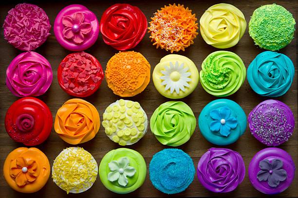 cupcakes - cupcake, zuckerguss stock-fotos und bilder