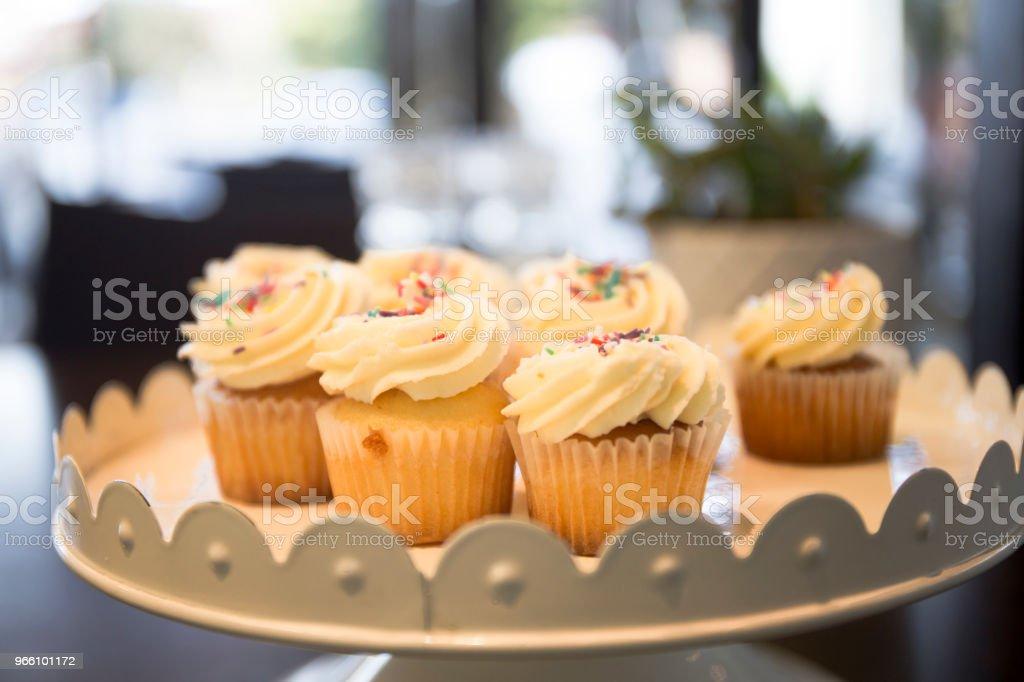 Cupcakes med chips - Royaltyfri Australien Bildbanksbilder