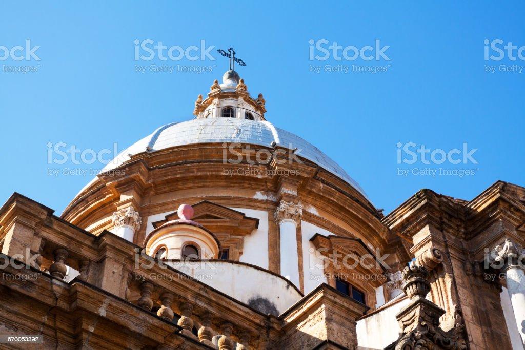 Cupola of Basilica San Francesco d'Assisi - foto stock