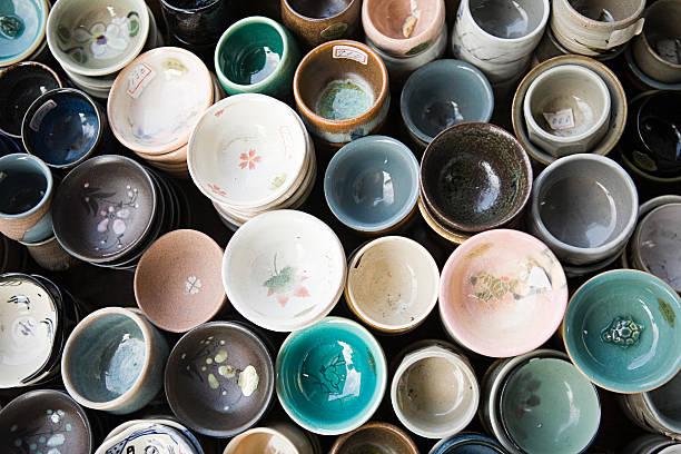 tazas - alfarería fotografías e imágenes de stock