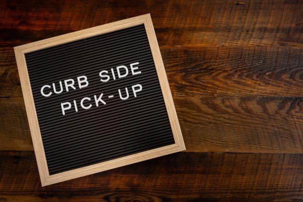 curb side pick up copy space - food delivery стоковые фото и изображения
