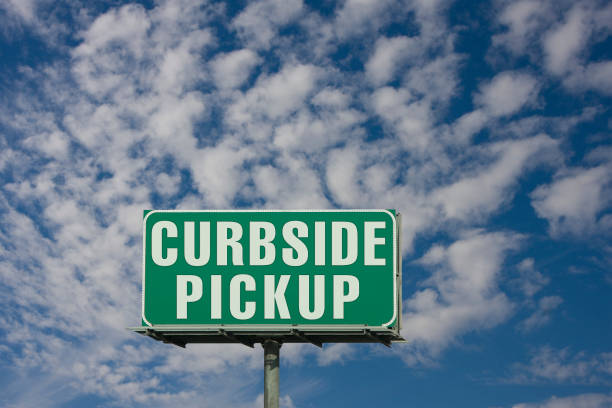 Curbside Pickup Curbside Pickup Sign curbsidepickup stock pictures, royalty-free photos & images