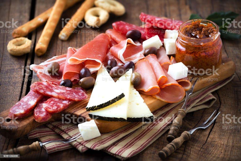 Kurierten Fleisch und Käseplatte – Foto