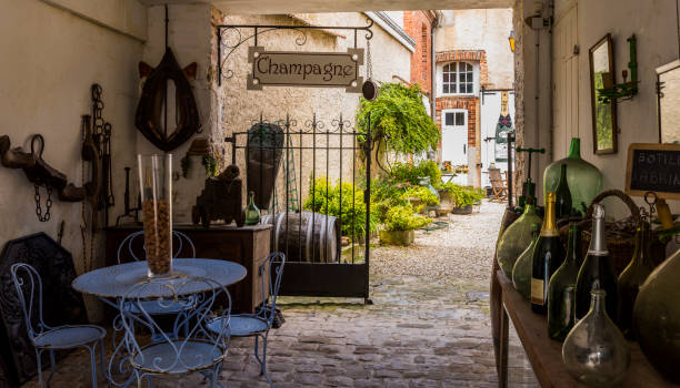 Curiosa Champagne Shop Hautvillers: Curiosa Champagne shop in Hautvillers with all kinds of bric-a-brac, France. epernay stock pictures, royalty-free photos & images