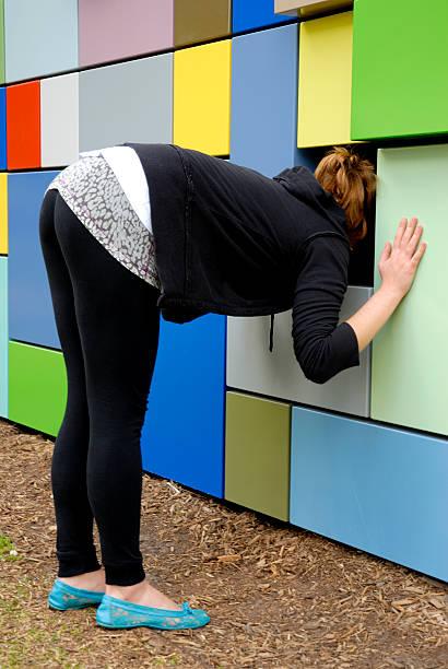 teen girl bending over cameltoe