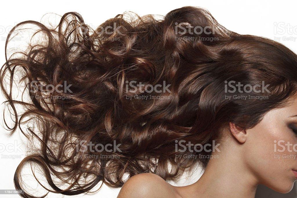 Lockiges, langes Haar. Hochwertiges Bild. – Foto