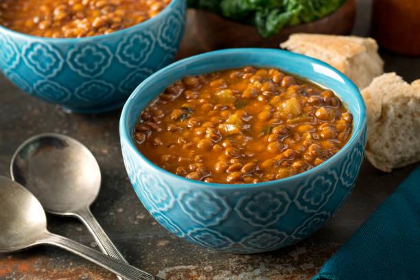 curried lentil soup - sopa imagens e fotografias de stock
