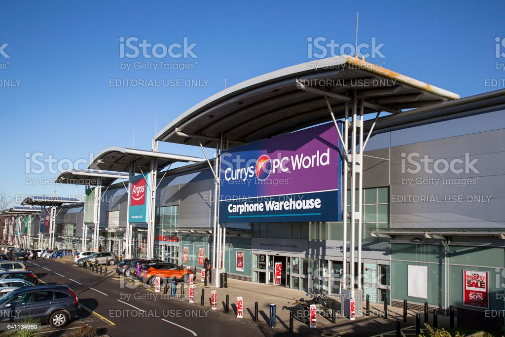 Currys and PC World Store incorporating a Carphone Warehouse. Building exterior of a computer hardware store.