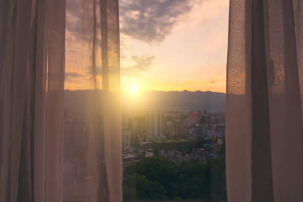 Vorhänge bei Sonnenaufgang – Foto