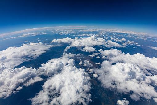 Curvature Of Planet Earth Aerial Shot Blue Sky And Clouds - zdjęcia stockowe i więcej obrazów Atmosfera - Wydarzenia