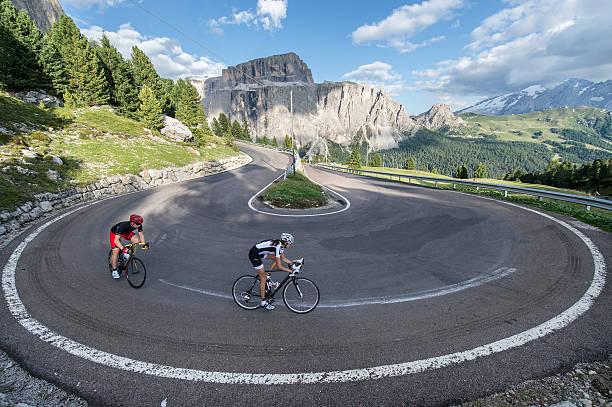Curve: Umkreis von 360 Grad für Straßenradfahrer – Foto