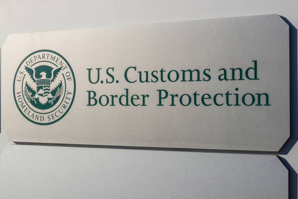 Customs and Border Protection. ICE is the largest investigative agency in the Department of Homeland Security and CBP II Indianapolis - Circa January 2019: Customs and Border Protection. ICE is the largest investigative agency in the Department of Homeland Security and CBP II department of homeland security stock pictures, royalty-free photos & images