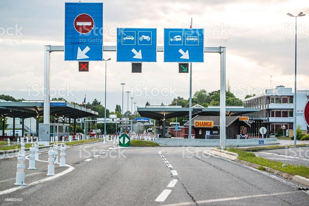 Bureau des douanes en france et de la suisse de la frontière