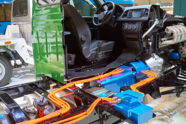 Cutaway of the hybrid truck Cutaway view of hybrid light commercial truck hybrid vehicle stock pictures, royalty-free photos & images