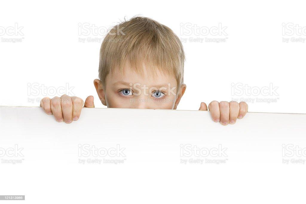 Süße 6 Jahre Junge Mit Blauen Augen Hält Ein Gefühl - Stockfoto | iStock