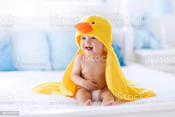 Cute baby after bath in yellow duck towel picture id852945970?b=1&k=6&m=852945970&s=612x612&h=ofzgj3xvhbszhx2mcrhrkfa24gwuudcex4tx6f1 4ma=