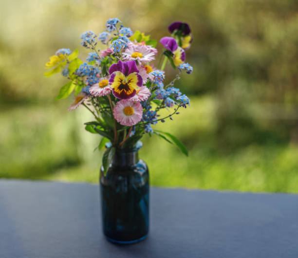 Cute bouquet of flowers on a green background vintage style of of picture id1177150379?b=1&k=6&m=1177150379&s=612x612&w=0&h=cdvylhlum8 3ertmie ym1y4wovthfwmbm3walmlaze=