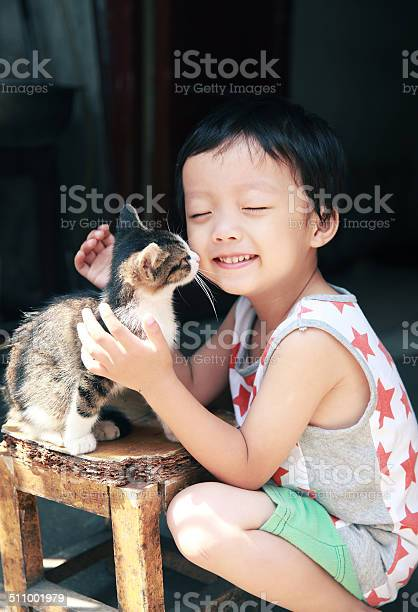 Cute children and cat picture id511001979?b=1&k=6&m=511001979&s=612x612&h=bbohslynwub5olys6r9fp9s9dplt4gzntxiirgt1ch0=